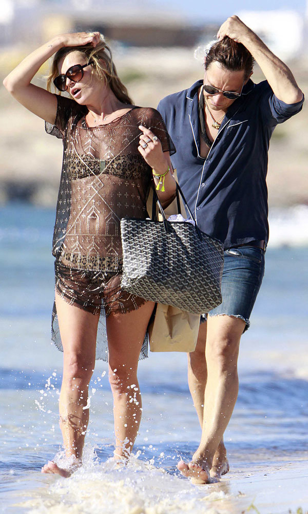 Kate Moss and Jamie Hince work effortlessly cool holiday looks in Spain