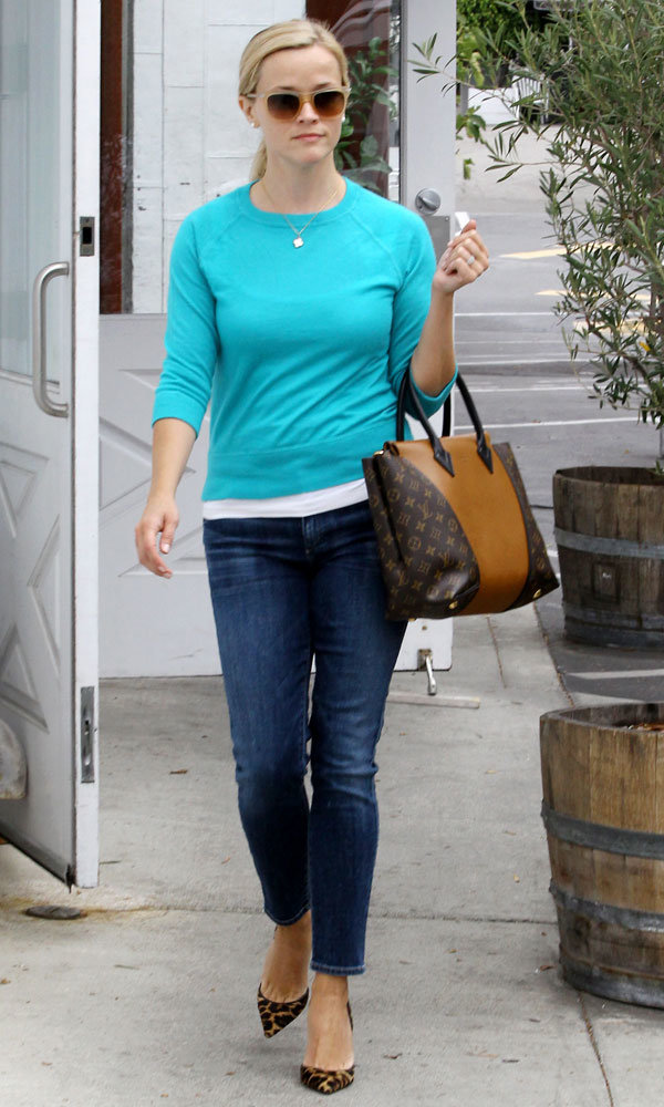 Reese Witherspoon works chic off-duty style