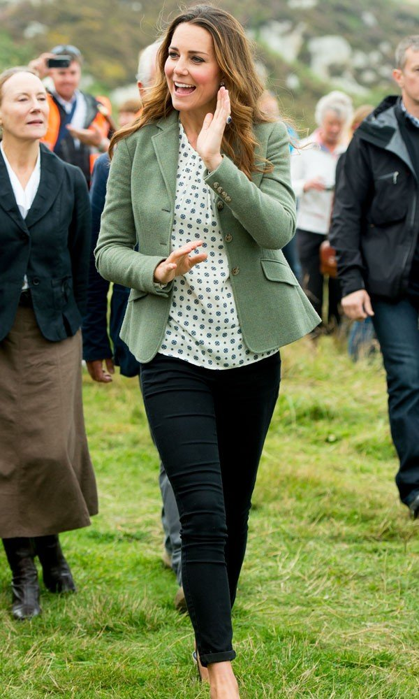 Kate Middleton's first public engagement since birth of Prince George!