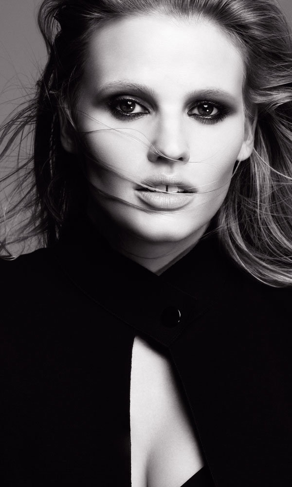 Lara Stone Lands Exciting New Beauty Role… And It's Big