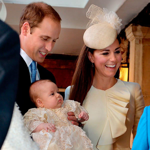 Jason Bell's Secret Christmas Shoot With The Queen And Prince George Revealed
