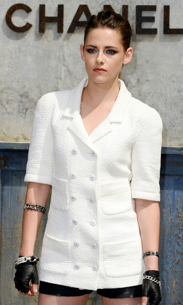 Kristen Stewart Lands An Incredible Chanel Job