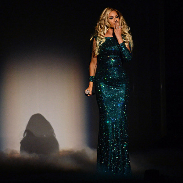 Beyoncé Leads The Sparkle Trend At The Brit Awards 2014
