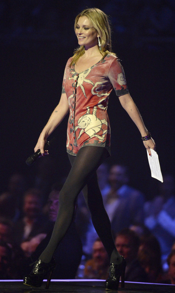 Kate Moss's David Bowie Moment At The Brit Awards 2014