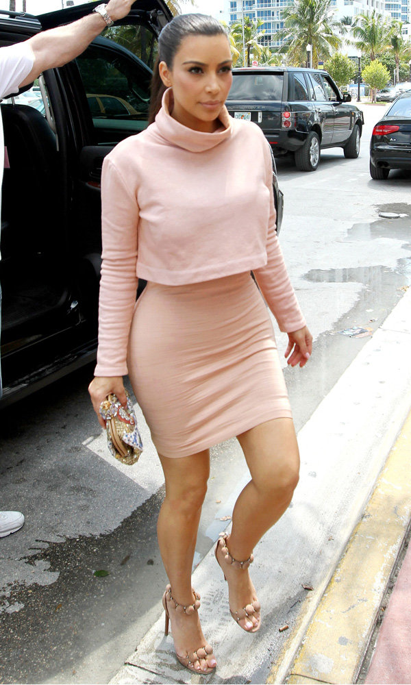 Kim Kardashian And Sister Khloe Wear Matching Outfits In Miami