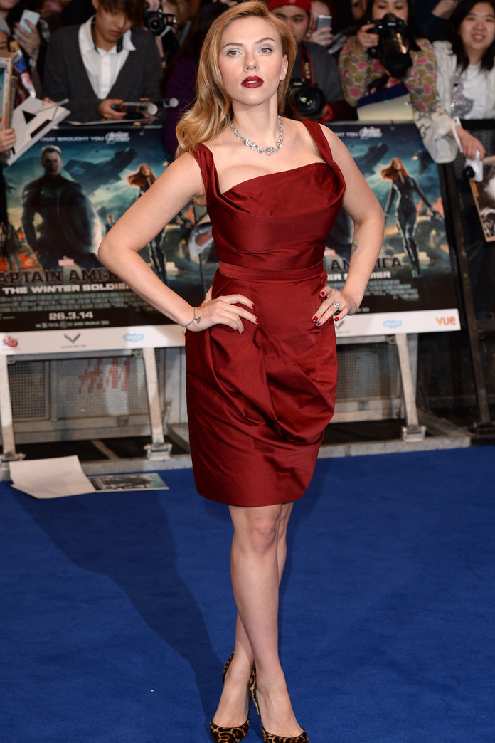 Scarlett Johansson Stuns In Vivienne Westwood On The Red Carpet