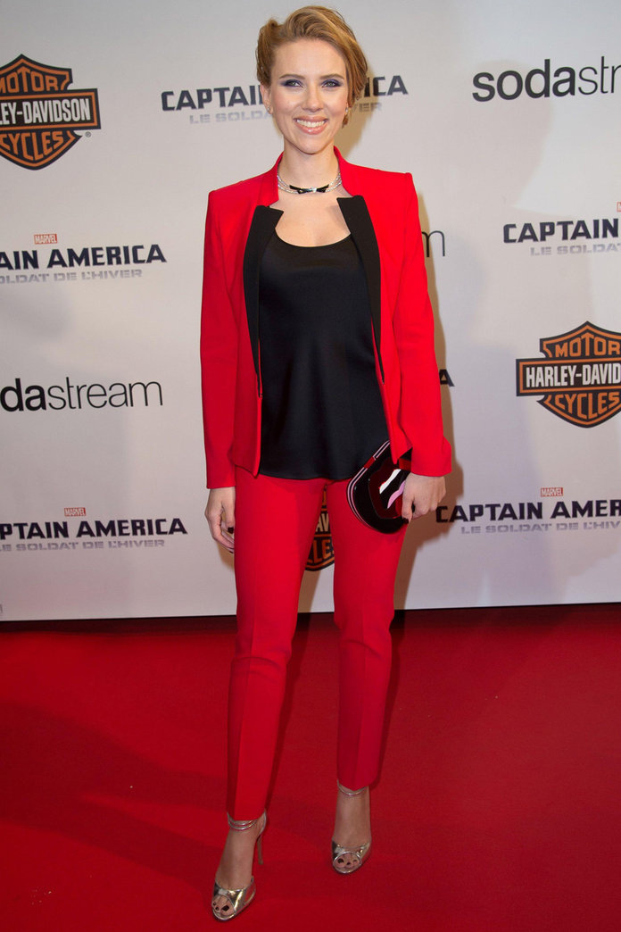 Scarlett Johansson Does Red Hot Tailoring For Paris Premiere