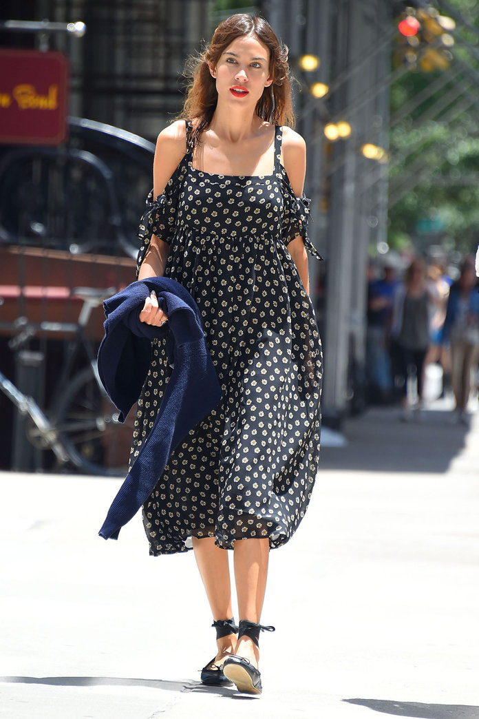 Alexa Chung Shows How To Dress For A Summer In The City