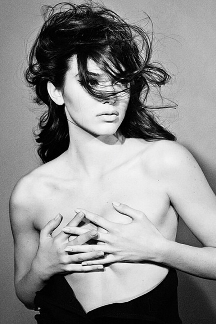 Kendall Jenner Goes Topless For A Stunning Magazine Shoot