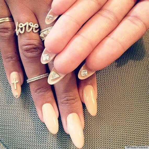 Flip Manis: The Nail Art Trend That's Set To Sky-Rocket