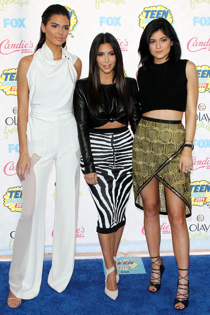The Kardashian Sisters Hit The Teen Choice Awards