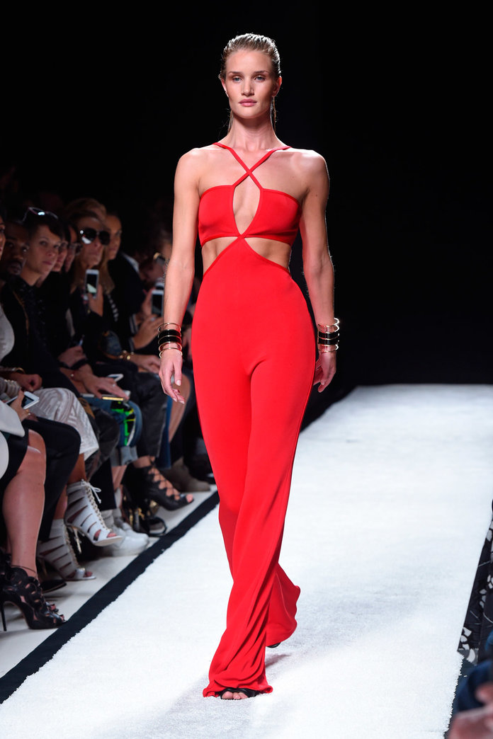 Rosie Huntington-Whiteley Just Made A Jaw-Droppingly Gorgeous Catwalk Comeback