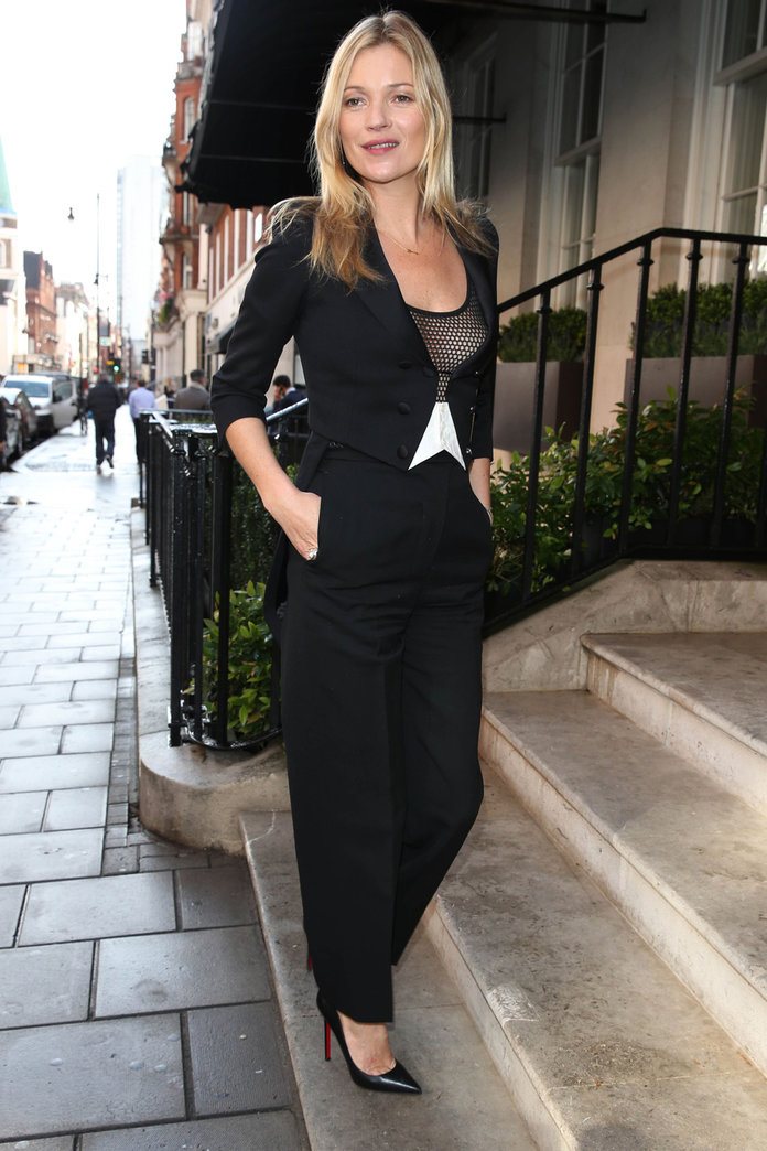 Kate Moss Wears Monochrome To The Launch Of Her Very Own Champagne Glass