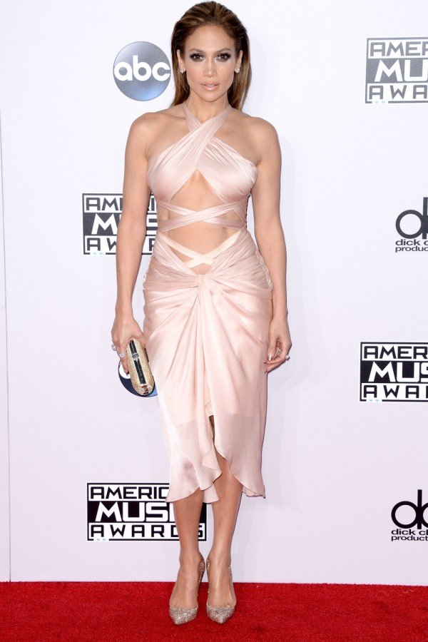 Jennifer Lopez And Taylor Swift Lead The Ab-Off At The AMAs