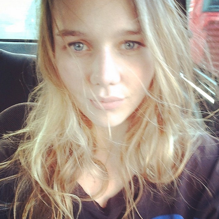 Suki Waterhouse's Little Sister Signs To Her Modelling Agency