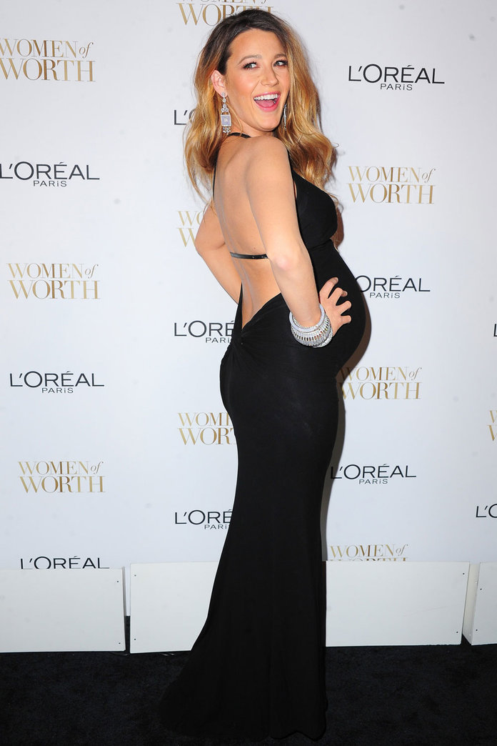 Blake Lively REALLY Suits Being Pregnant