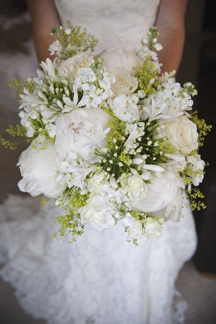 The Coolest Winter Wedding Flowers