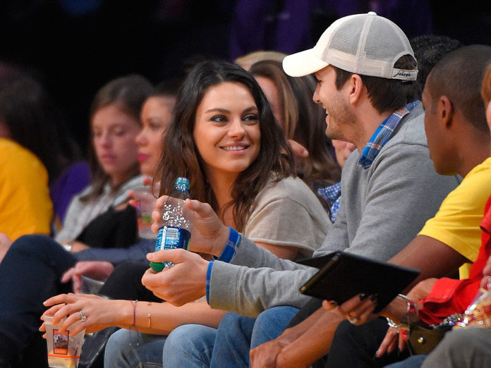 Mila And Ashton Make Their First Public Post Baby Appearance, And They're More Loved Up Than Ever