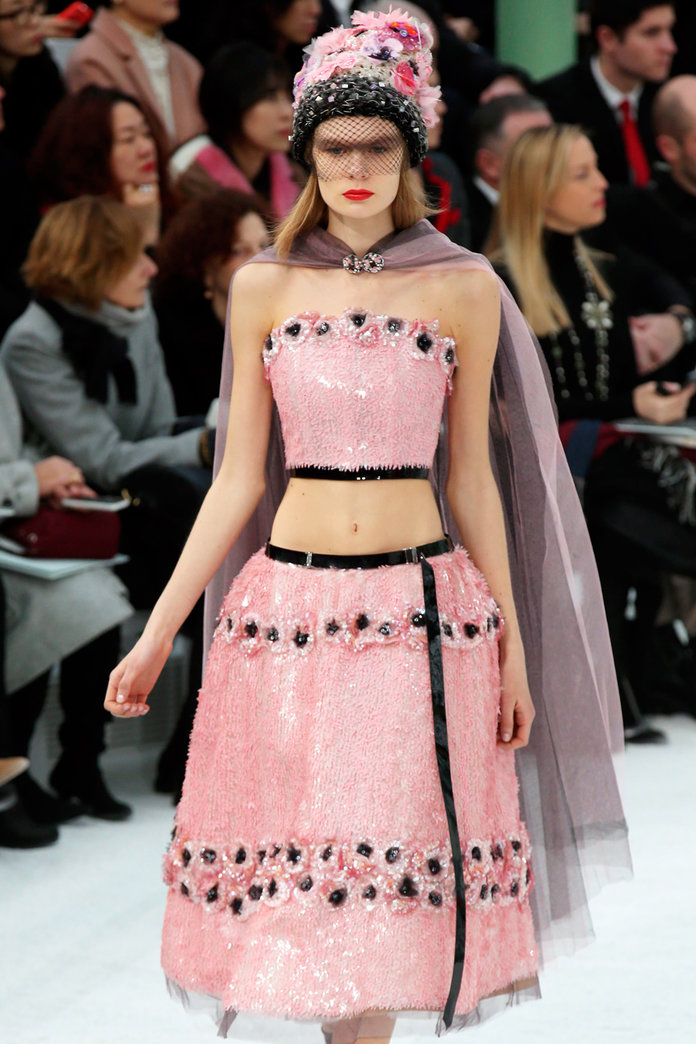 Belly Buttons Are Back - And At Chanel Couture (Of All Places!)