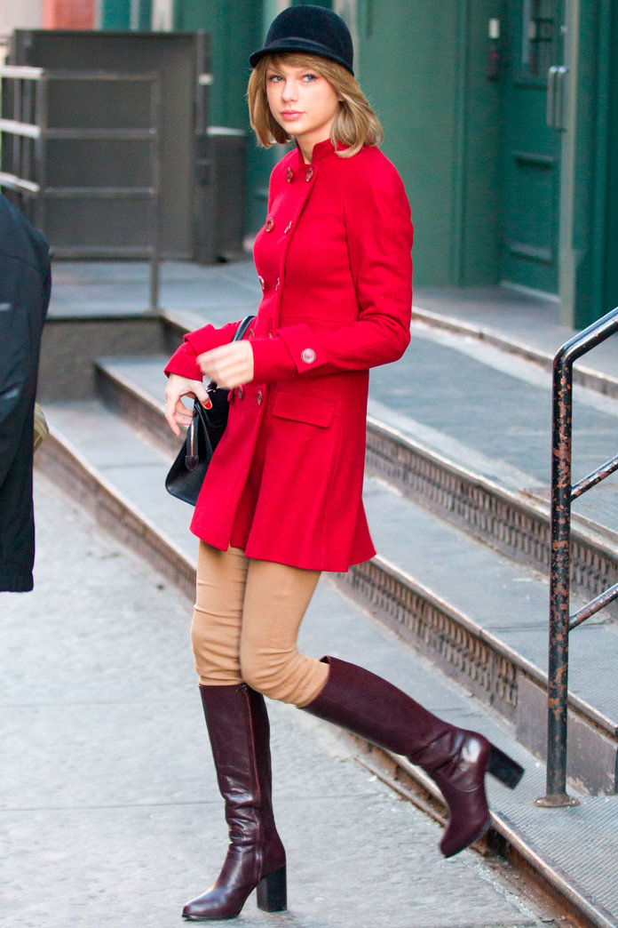Taylor Swift Channels Her Inner Horse Rider In A *Very* Equestrian Outfit