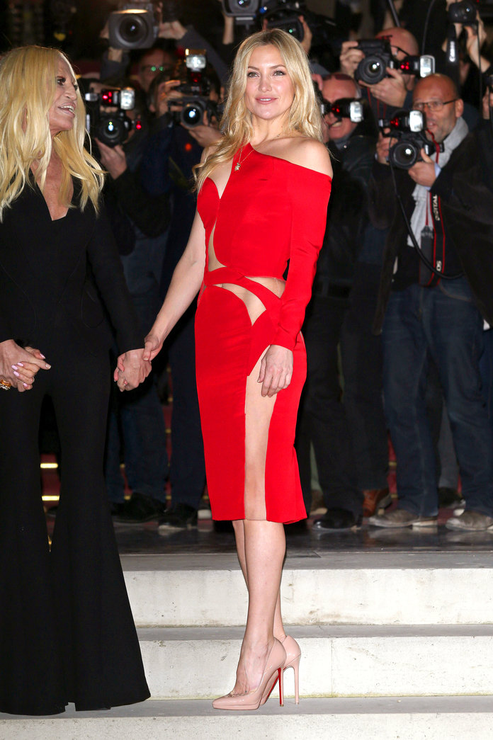 You NEED To See Kate Hudson's Cut-Out Dress From Every Possible Angle