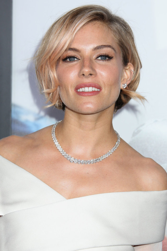 Sienna Miller Is Set To Replace Emma Stone In Cabaret