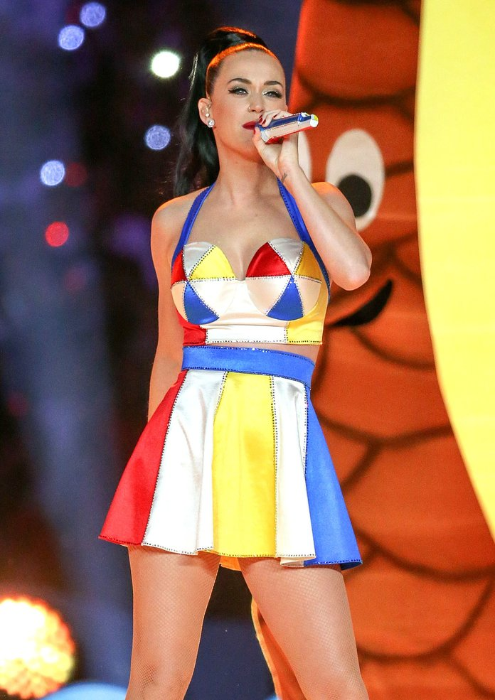 HOW MANY Crystals Went Into Katy Perry's Super Bowl Sparkle-A-Thon?