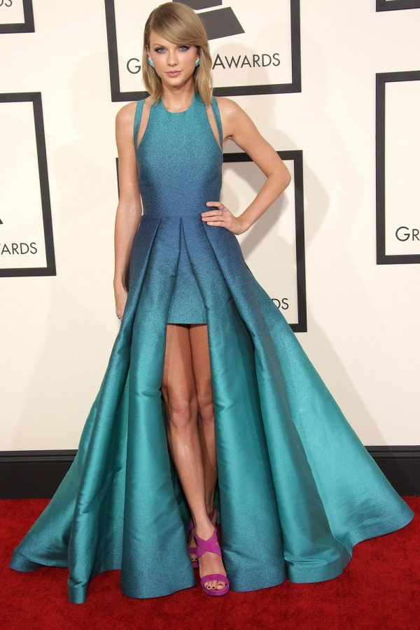 Taylor Swift Reveals A BIG Fashion Faux Pas From Her Past