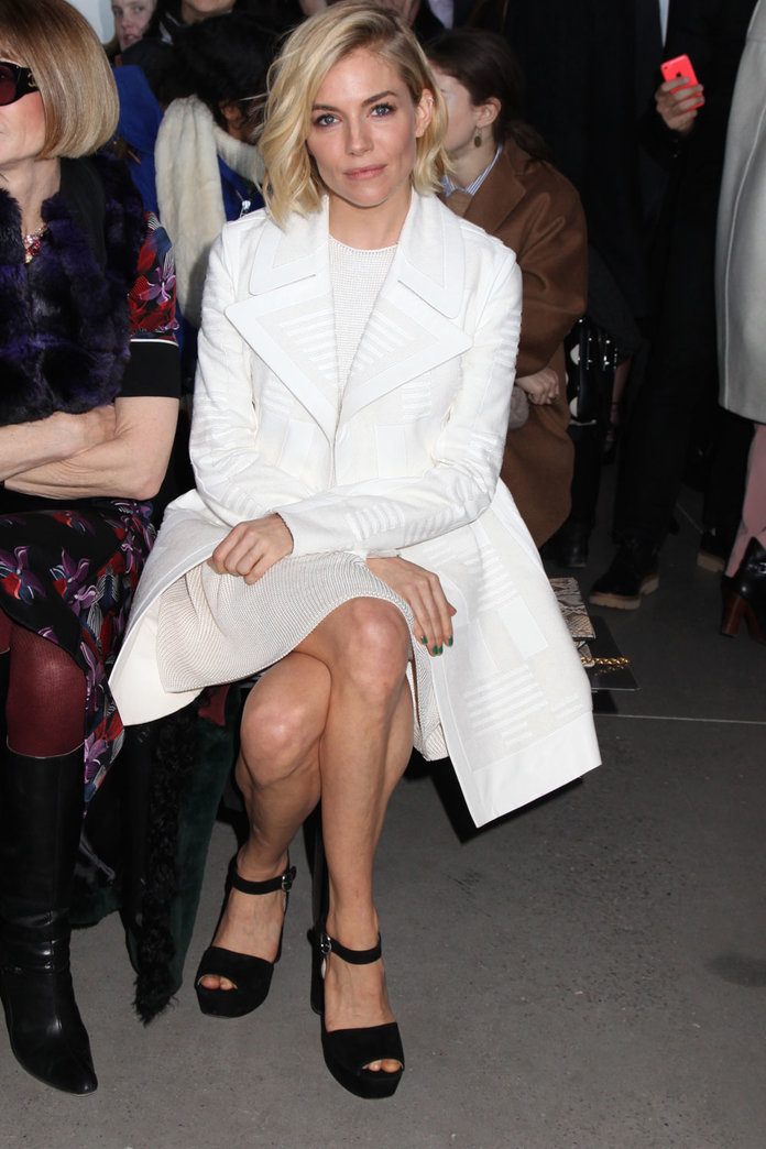 Sienna Miller Nails Minimalist Dressing On The FROW