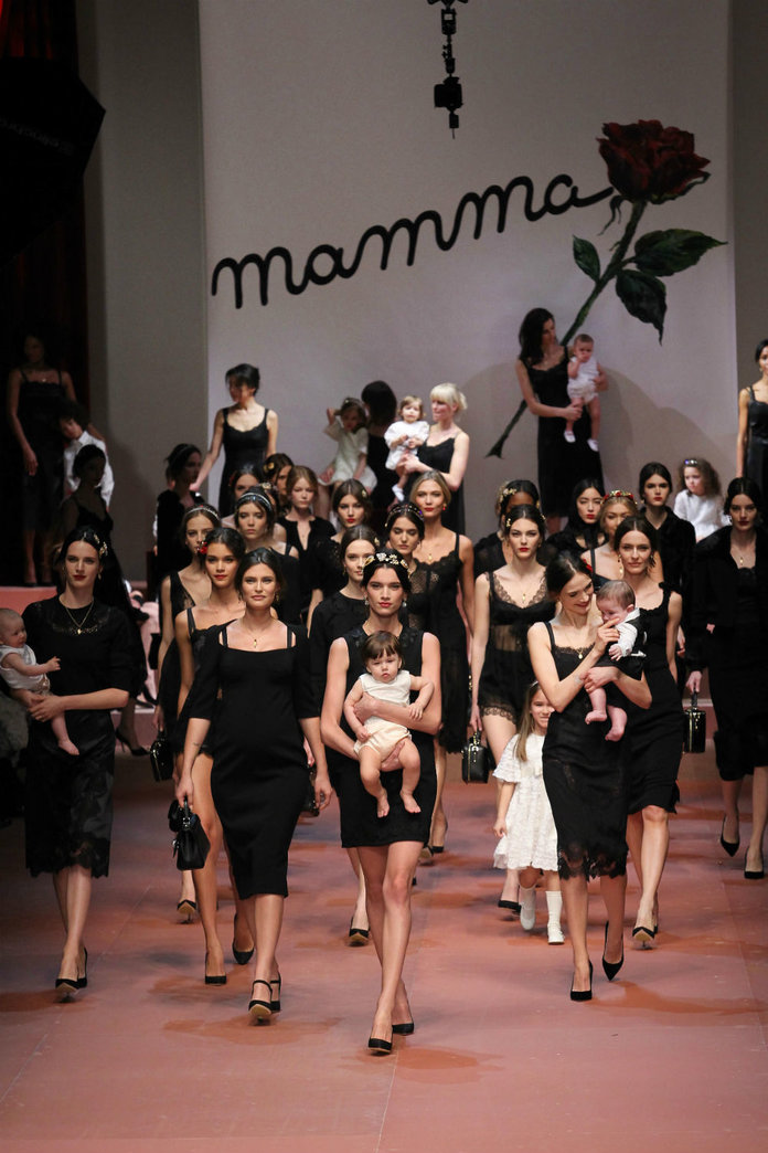 Dolce & Gabbana's Glamorous Mamas and Karlie Kloss's Legs: A Weekend Of Glitz At MFW