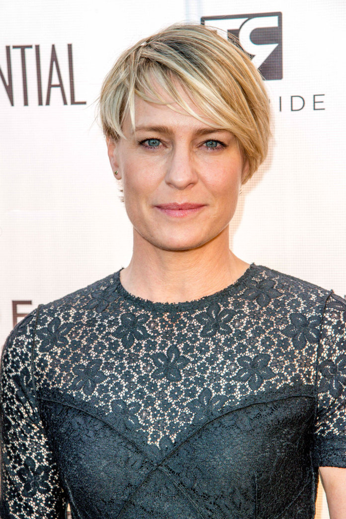 What Happened When House of Cards First Lady Robin Wright Met The Obamas
