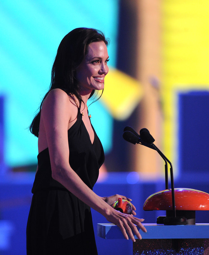 Angelina Jolie's First Public Outing Since Her Recent Surgery Will Melt Your Heart