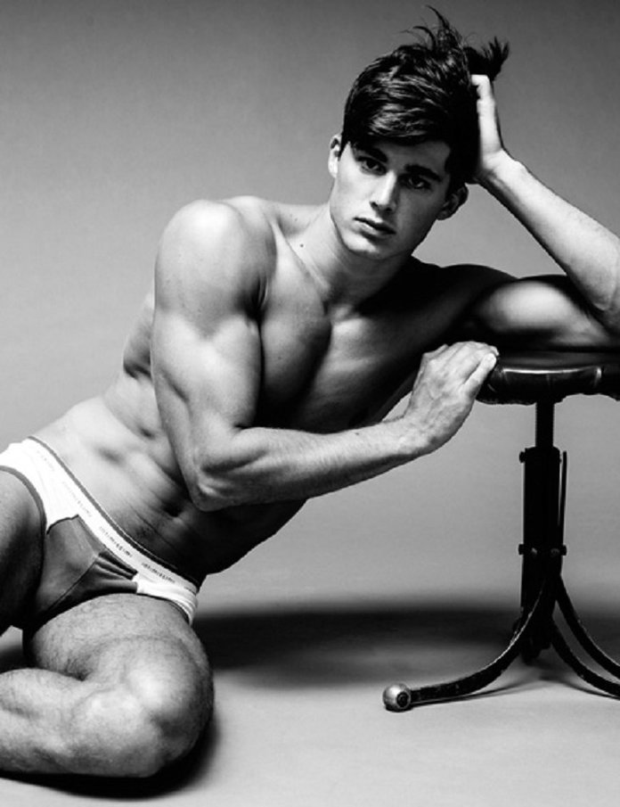 Meet The Armani Model-Turned-Maths Lecturer Who's Got His Students (And Us) Swooning