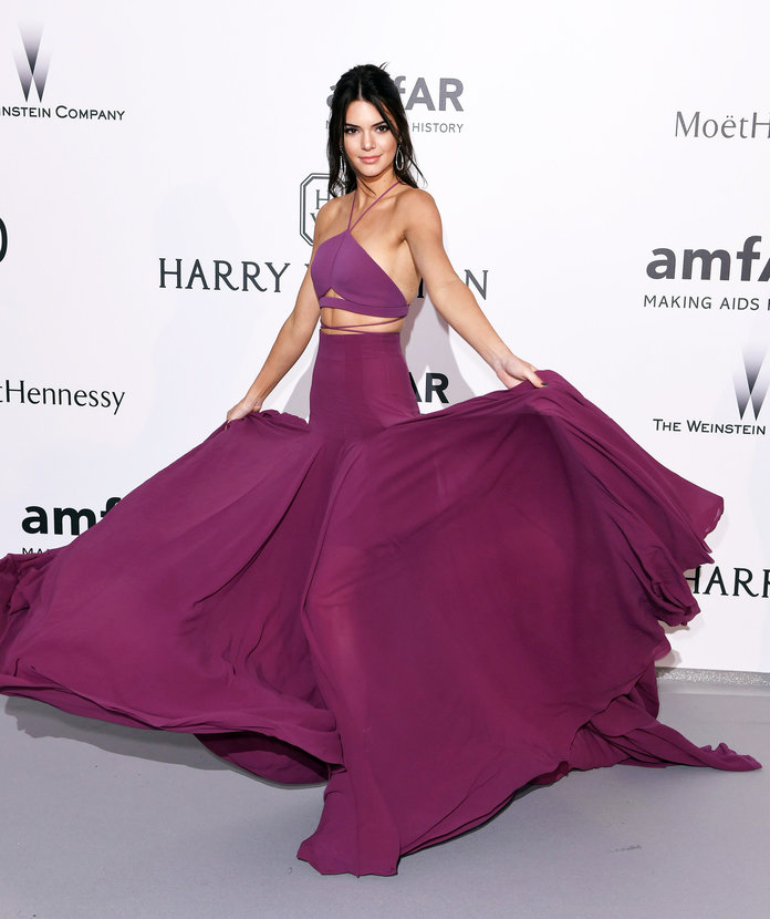 Kendall Jenner Proves Making A Grand Entrance Actually Requires A LOT Of Work