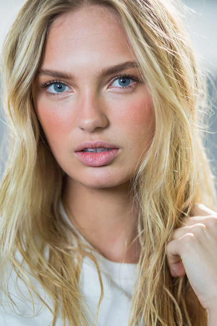 How To Do Makeup That Lasts All Day