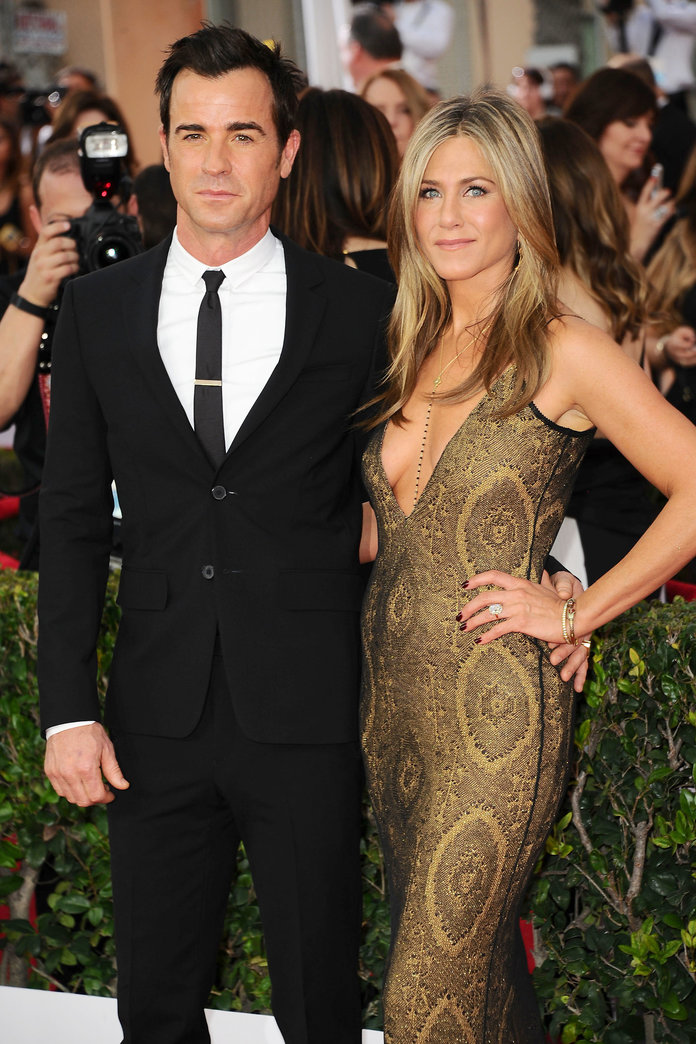 Jennifer Aniston Talks Justin Theroux And Their Intimate Wedding Details