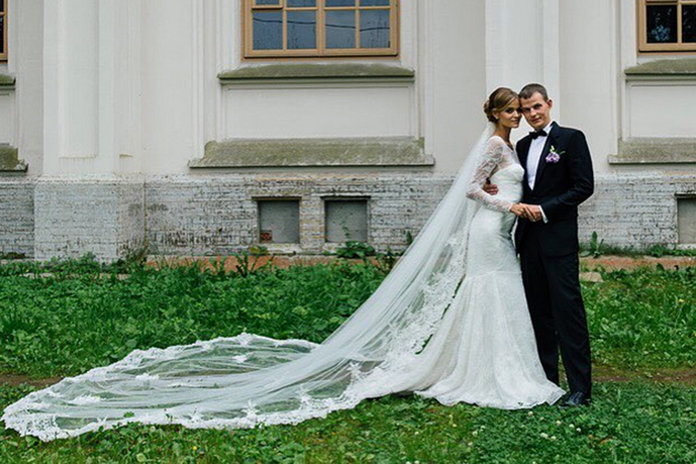 The Supermodel-Approved Wedding Dress You Can Buy For £900