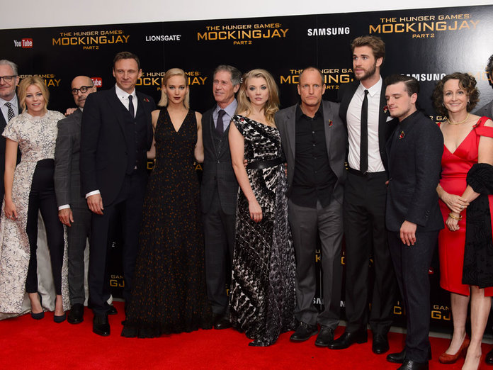 The Dresses, The Selfies! 7 Amazing Moments From The Mockingjay Pt.2 Premiere