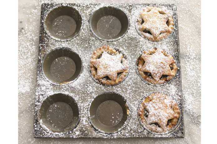 Mince Pies Made Easy By GBBO's Flora Shedden - Read Her Top Tips