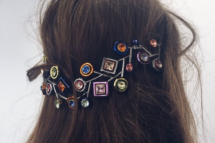 Meet The Latest Jewellery Trend for Hair And Faces