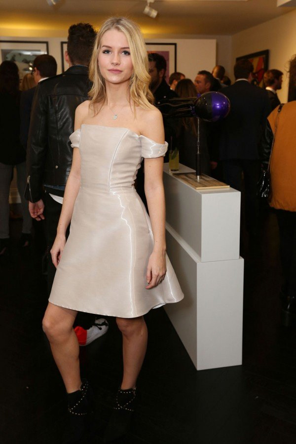 Lottie Moss Is In The Building! Check Out Her Style Transformation...
