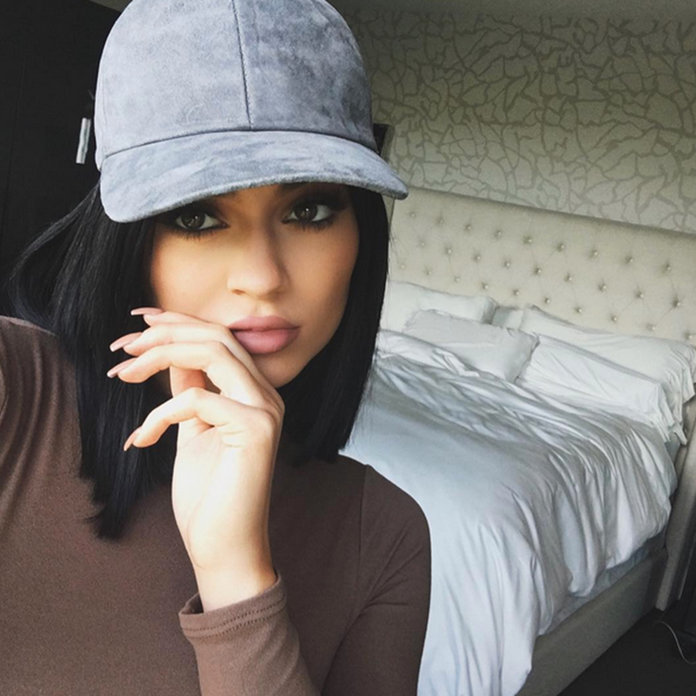 Kylie Jenner Stresses The Importance Of ALWAYS Having A 'Pretty' Manicure