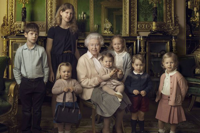 What's Really In Queen Elizabeth's Handbag? We Have Some Suggestions...
