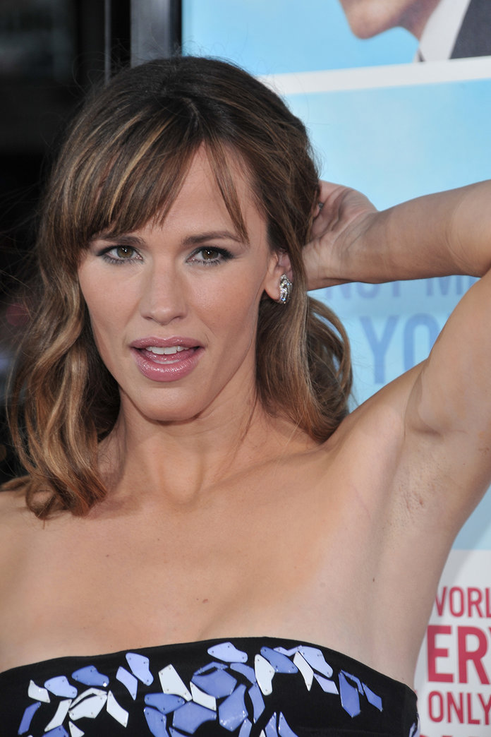 In Pursuit Of The Perfect 'Pit – Why We Should Learn To Love Our Underarms