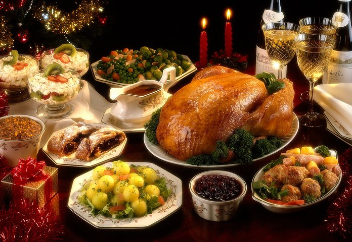 Exactly What You Should Have Before a Holiday Party to Avoid Overeating