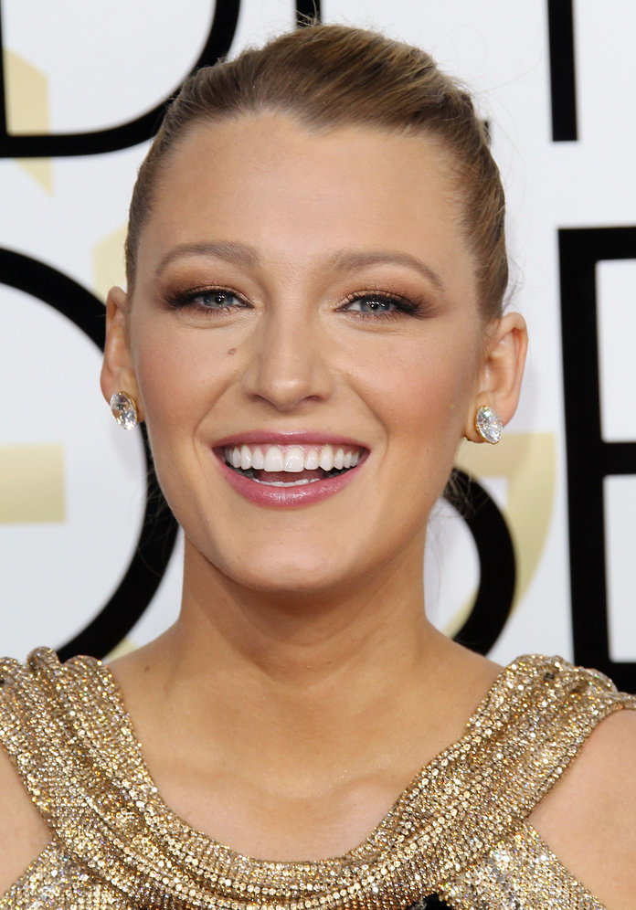 The Under-£10 Drugstore Lip Gloss You'll Find in Blake Lively's Clutch