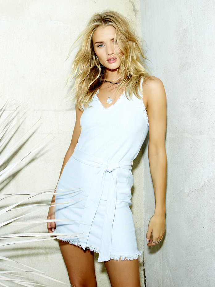 Rosie Huntington-Whiteley Has Created The Ultimate Day-To-Night Wardrobe