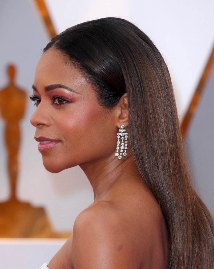 What You Can Learn from Naomie Harris' Oscars Facialist
