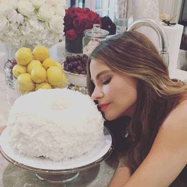 They Have HOW Many Tiers?! The Most Extravagant Celebrity Birthday Cakes Ever