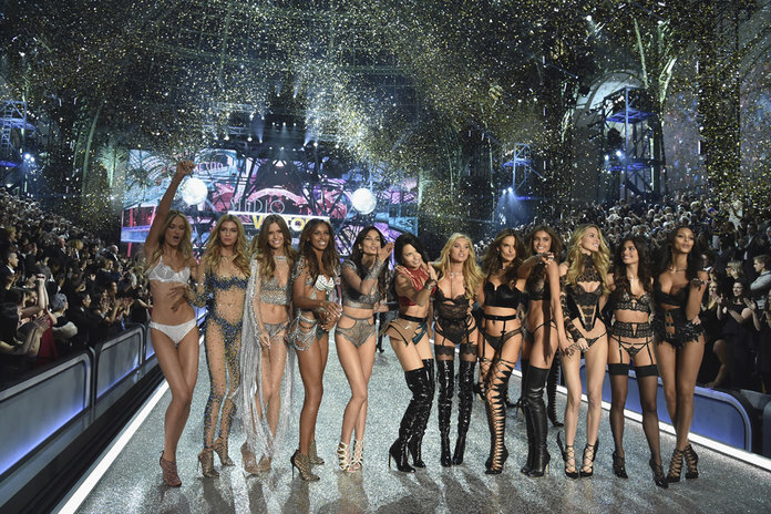 Victoria's Secret 2016: The Unexpected Show Stars